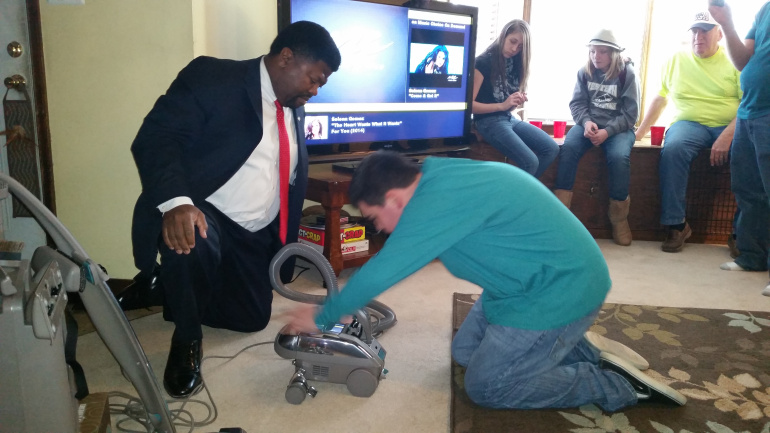 Vacuum Salesman Invited To Boy S Party Moved The Room To Tears Fox 5 San Diego
