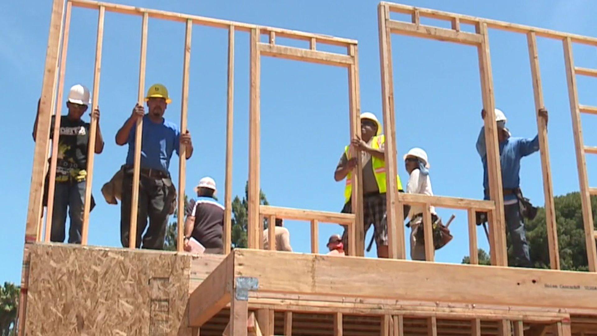 construction crews, workers, framers