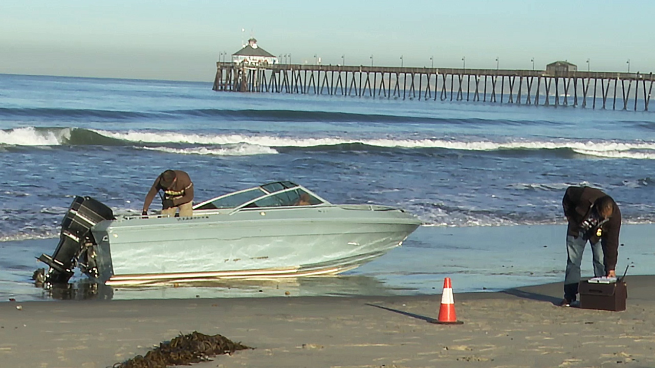 8 people arrested after suspicious boat comes ashore in Imperial Beach