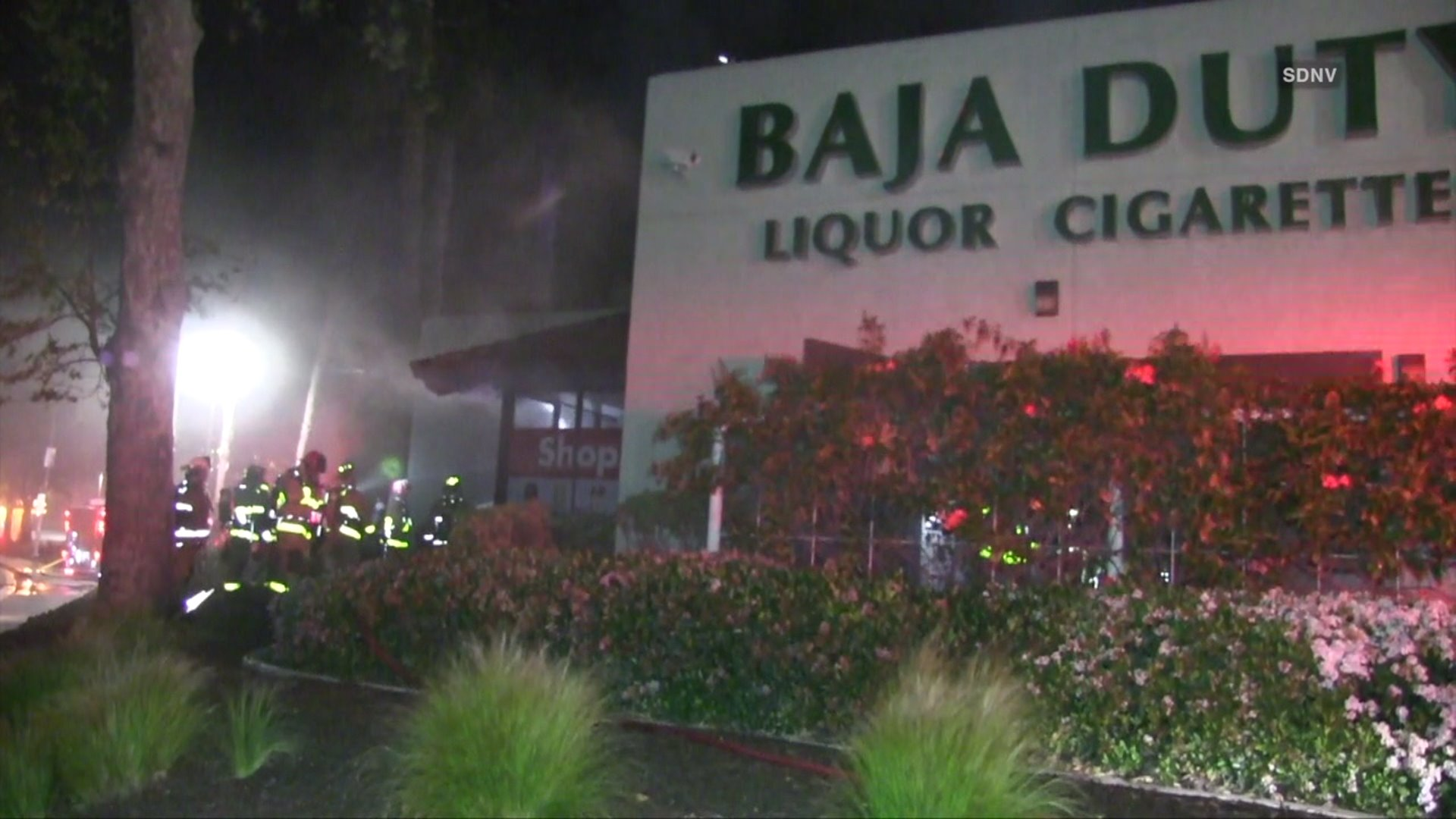 Fire Damages Outlet Store In San Ysidro Fox 5 San Diego