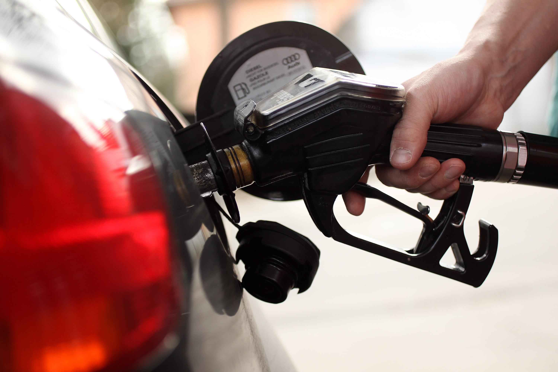 fox5sandiego.com - City News Service - Average gas price nears $4 per gallon in San Diego County