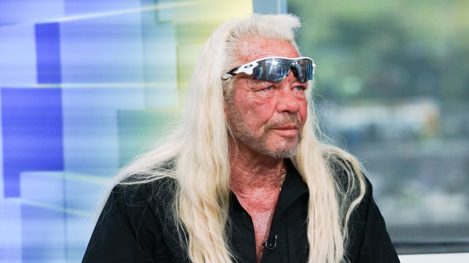 Dog The Bounty Hunter Appears To Propose To Late Wife S Friend On