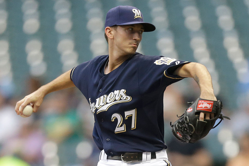 MILWAUKEE, WI - SEPTEMBER 02: Zach Davies #27 of the Milwaukee Brewers pitches during the first inning against the Pittsburgh Pirates at Miller Park on September 02, 2015 in Milwaukee, Wisconsin. (Photo by Mike McGinnis/Getty Images)