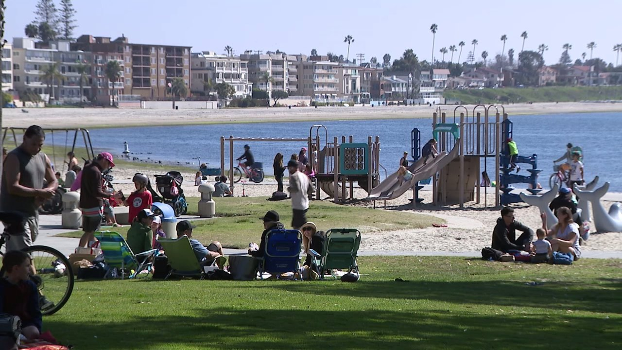 Residents fed up with crime push for curfews at city parks