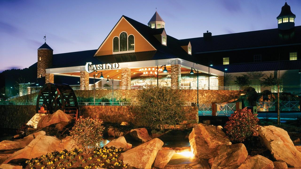 Barona plans to gradually reopen casino this week | FOX 5
