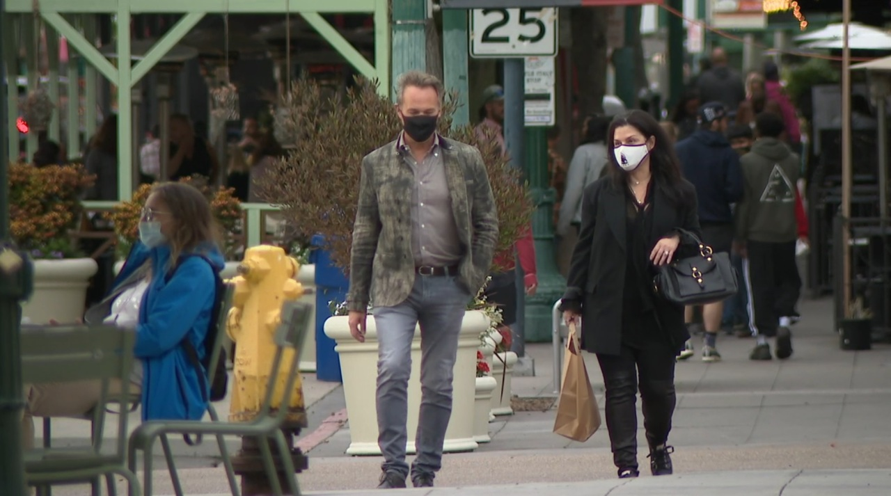 Legal expert: 'Nobody wants to be the test case' in enforcing San Diego's new mask rules