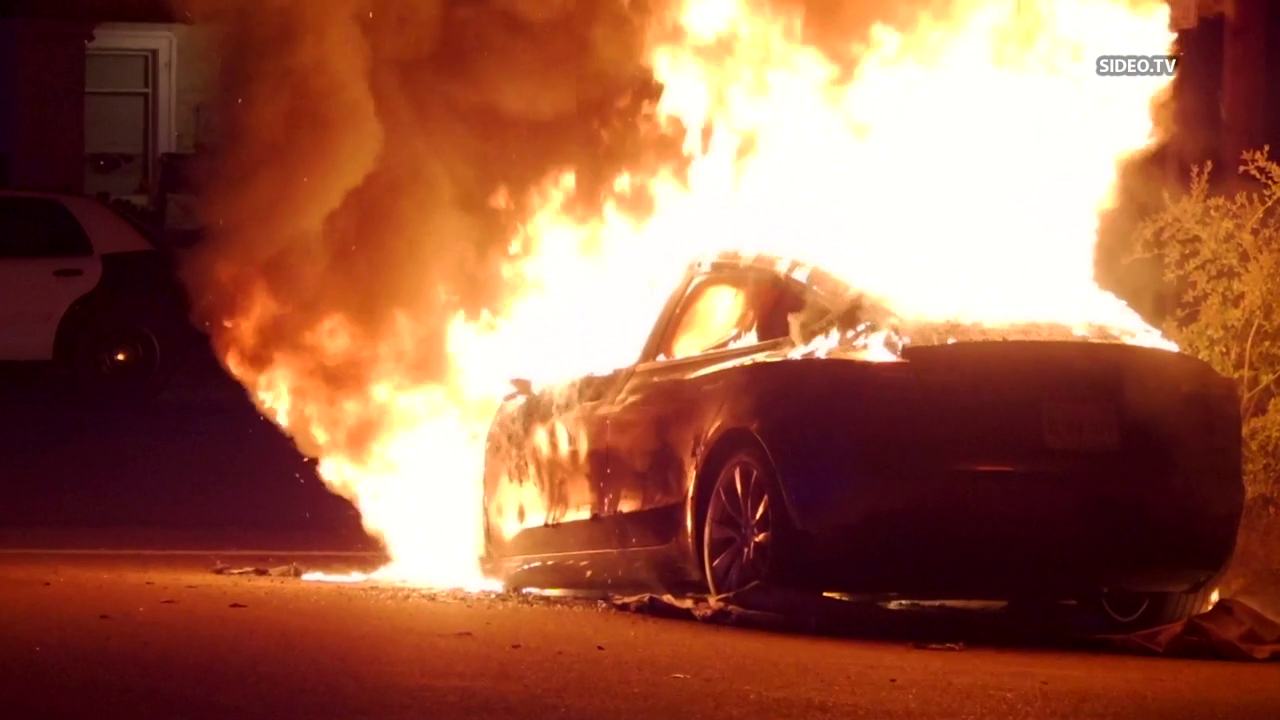 North Park Tesla fire: Fire engulfs car in North Park